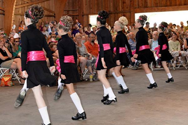 celtic faire dancers