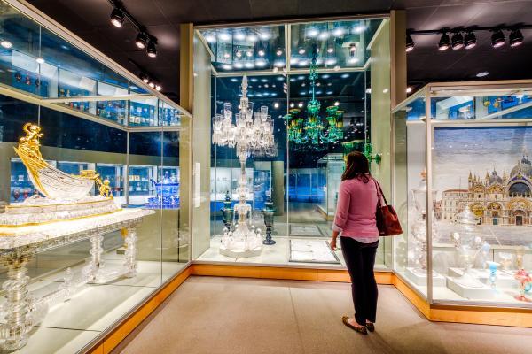 35 Centuries of Glass