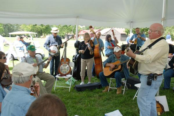 group jam tent at fiddlers' faire