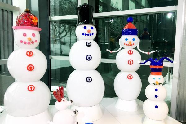 Lifesize snow family