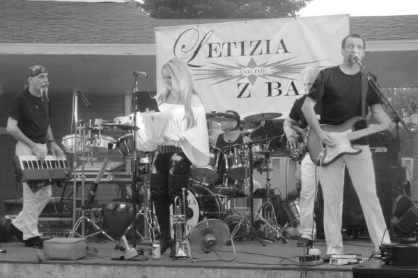 Letizia and the Z Band command the stage.