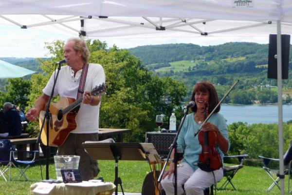 Bob & Dee sing and play at Keuka Spring Vineyards overlooking Keuka Lake