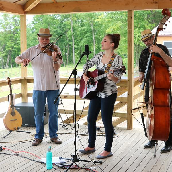 Saturday afternoon music at buttonwood grove